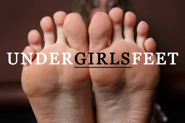 Under Girls Feet (Clips4Sale) - SITERIP